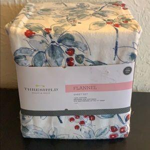 Twin size flannel sheet set